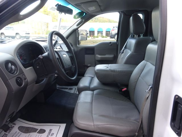 Pre-Owned 2006 Ford F-150 STX 2WD