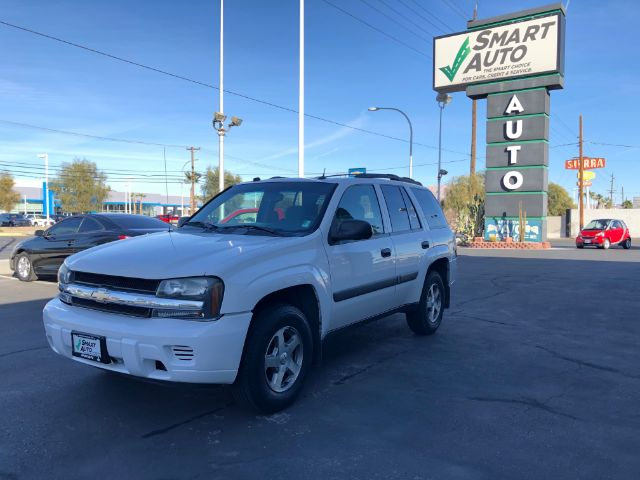 Pre-Owned 2005 Chevrolet TrailBlazer LS 2WD