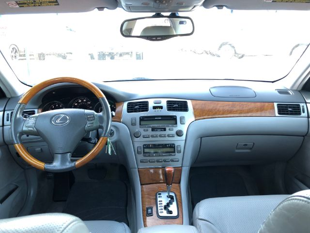 Pre-Owned 2005 Lexus ES 330 Sedan