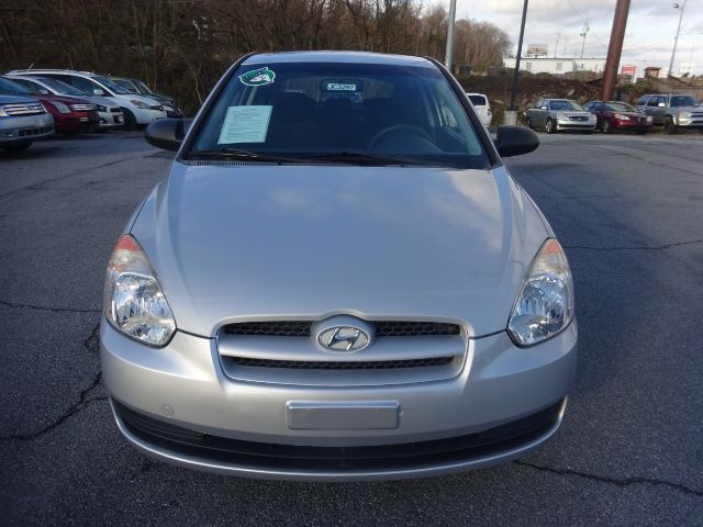 Pre-Owned 2009 Hyundai Accent GS 3-Door