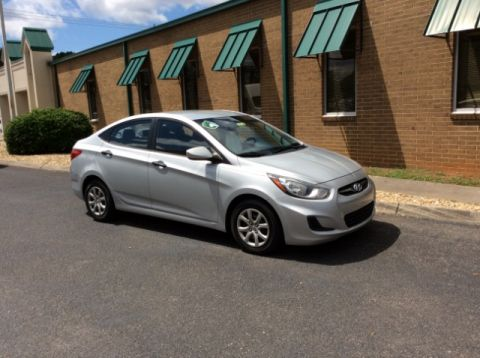 Pre-Owned 2012 Hyundai Accent GLS 4-Door
